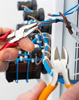 lucrari instalatii electrice targoviste